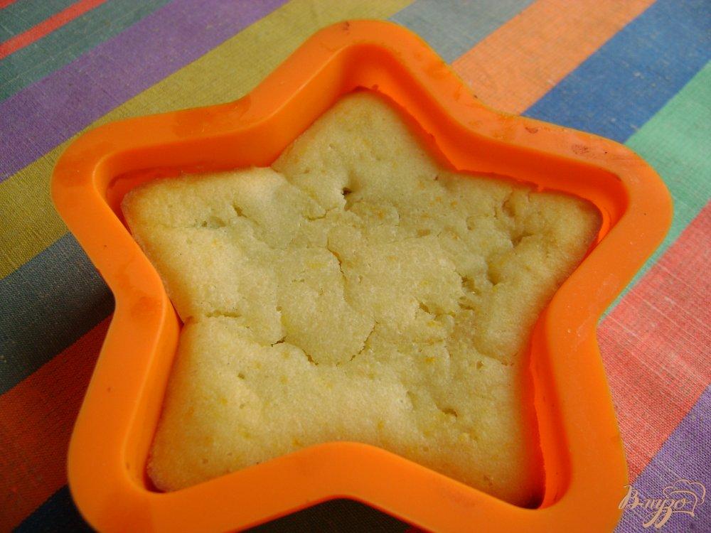 Фото приготовление рецепта: Апельсиновый манник с изюмом шаг №6