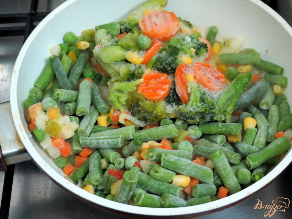 Фото приготовление рецепта: Суп овощной с кус - кусом шаг №2