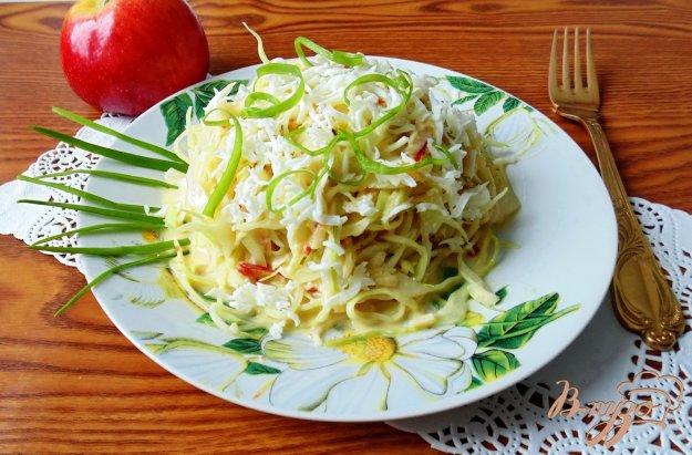 фото рецепта: Капустный салат с яичной заливкой