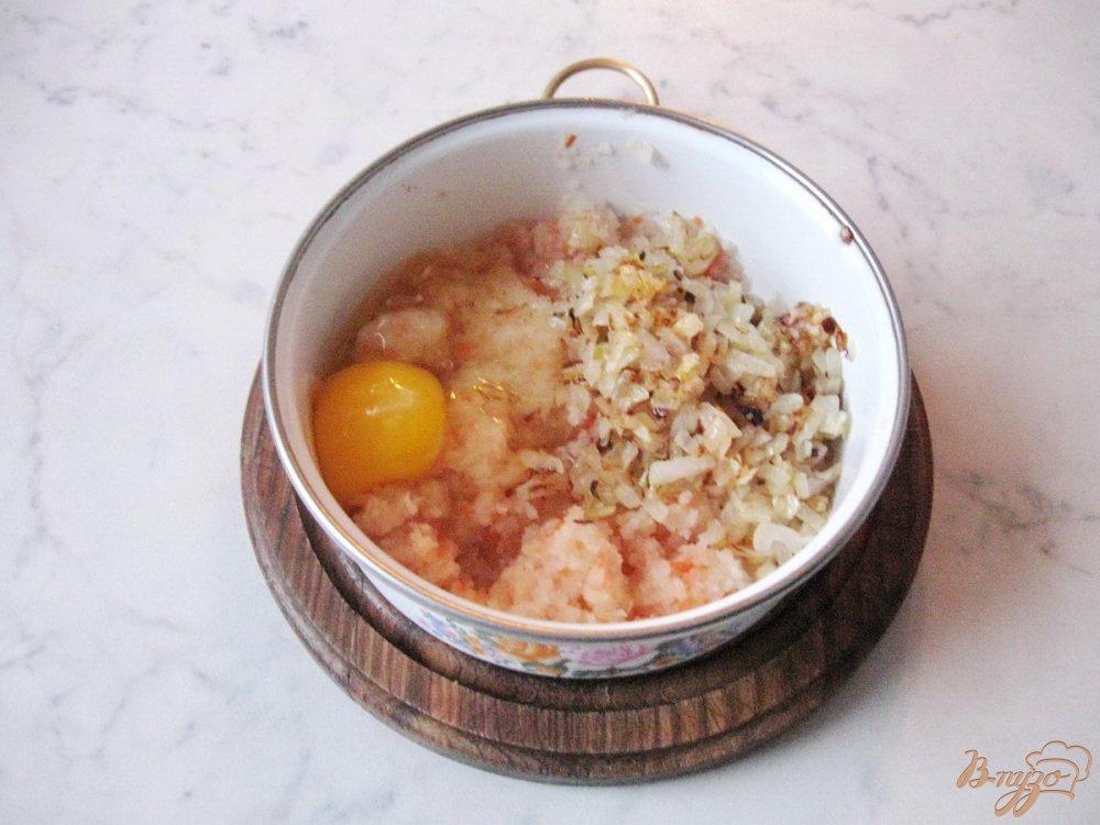 Фото приготовление рецепта: Оладьи из квашеной капусты. шаг №3