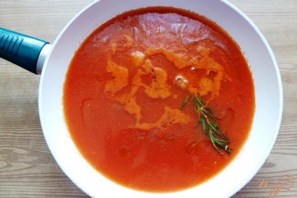 Фото приготовление рецепта: Томатный суп из Тосканы шаг №2