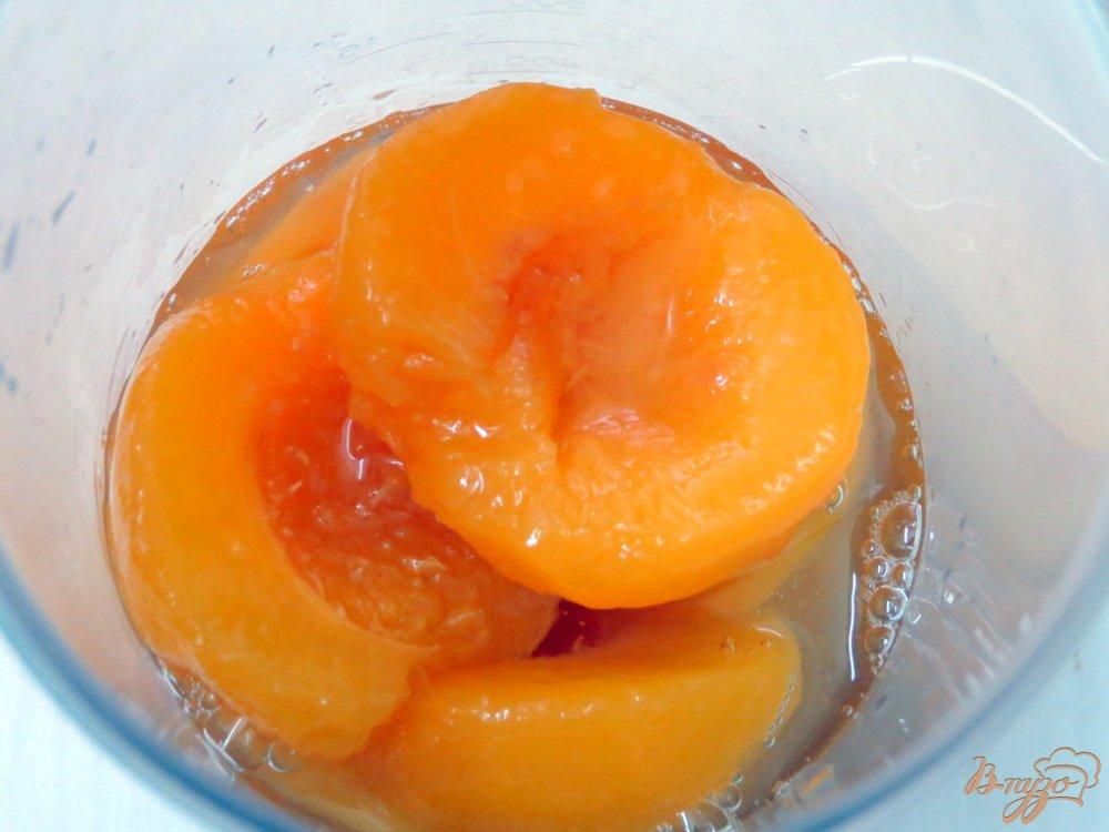 Фото приготовление рецепта: Молочный коктейль с персиками шаг №1