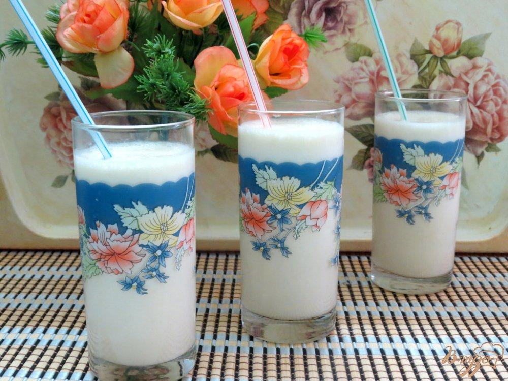 Фото приготовление рецепта: Молочный коктейль с персиками шаг №7