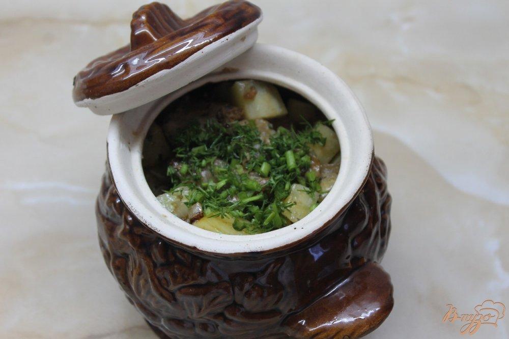 Фото приготовление рецепта: Картофель со свининой запеченный в горшочке шаг №5