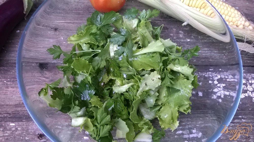Фото приготовление рецепта: Свиная отбивная на зеленой подушке шаг №3