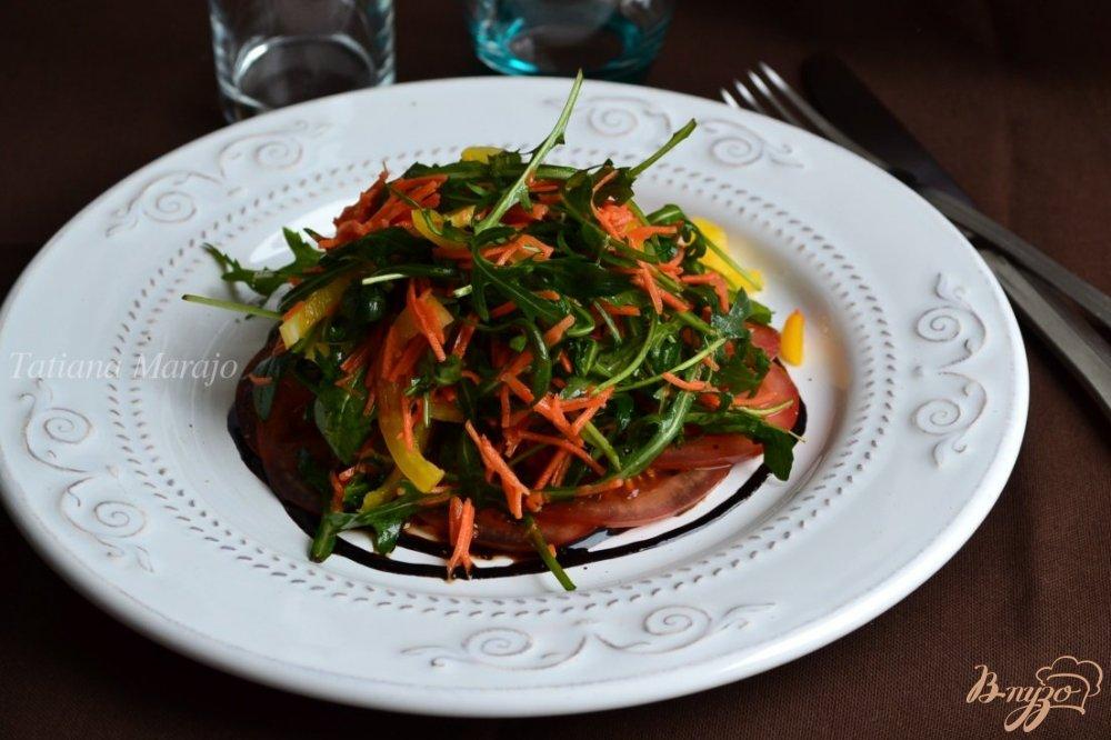 Фото приготовление рецепта: Салат с рукколой и овощами шаг №6