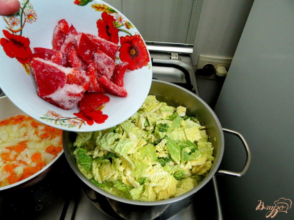 Фото приготовление рецепта: Суп с савойской капустой шаг №5