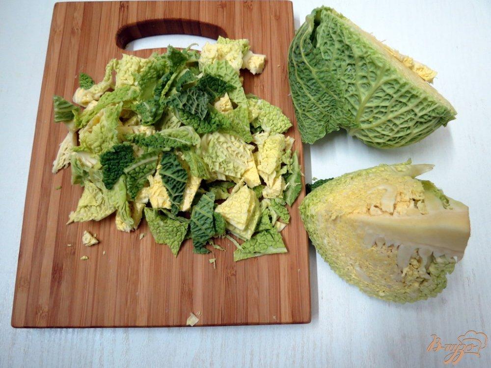 Фото приготовление рецепта: Суп с савойской капустой шаг №3