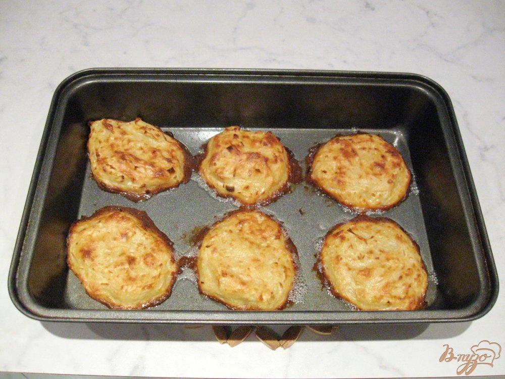 Фото приготовление рецепта: Драники запеченные  в духовке. шаг №8