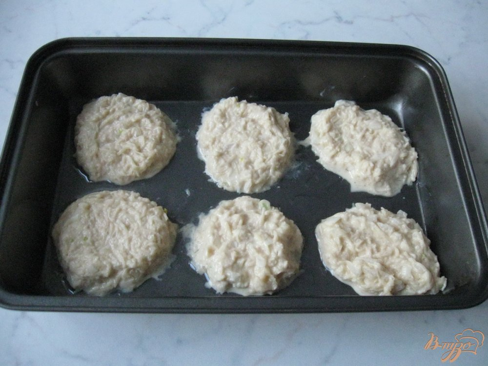Фото приготовление рецепта: Драники запеченные  в духовке. шаг №7