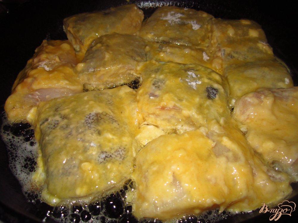 Фото приготовление рецепта: Минтай жареный в горчице шаг №3