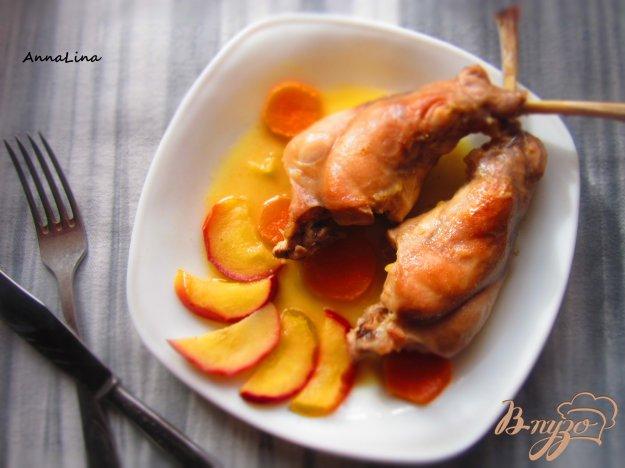 фото рецепта: Кролик тушенный с яблоками и имбирем