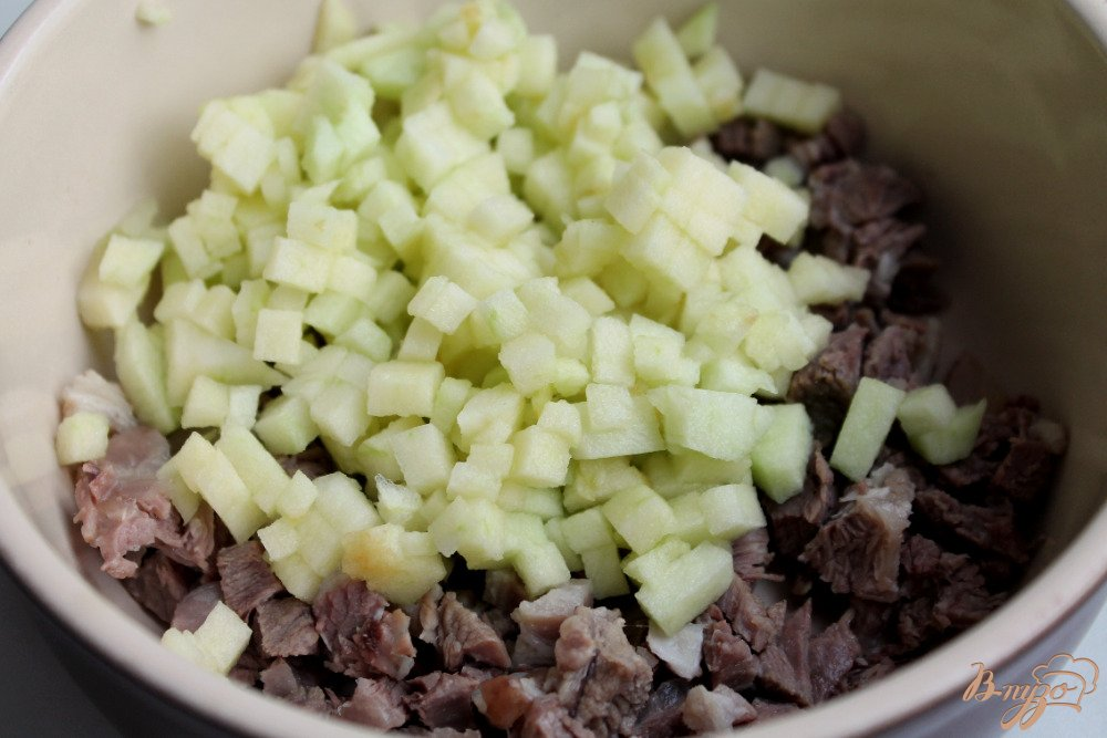 Фото приготовление рецепта: Салат с бараниной шаг №2