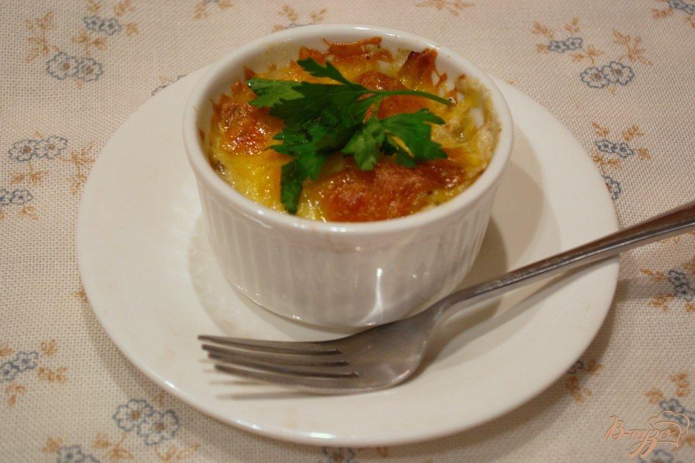 Фото приготовление рецепта: Шампиньончики со сливочной заливкой и сыром в духовке шаг №12
