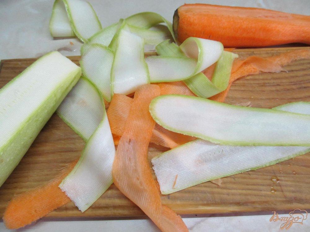 Фото приготовление рецепта: Куриный рулет фаршированный овощами шаг №1