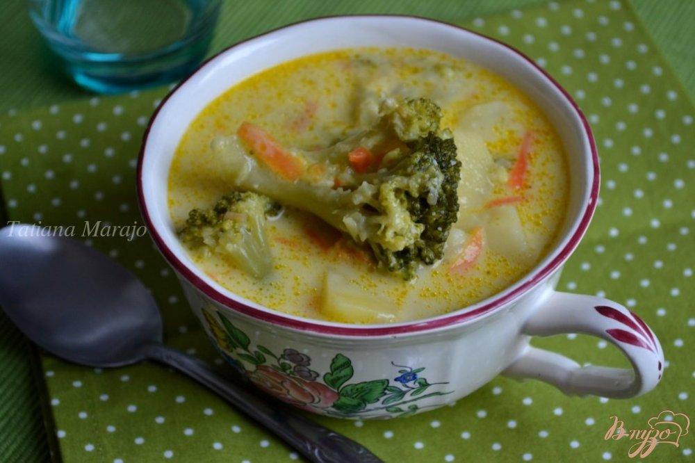Фото приготовление рецепта: Сливочный суп с капустой брокколи шаг №5