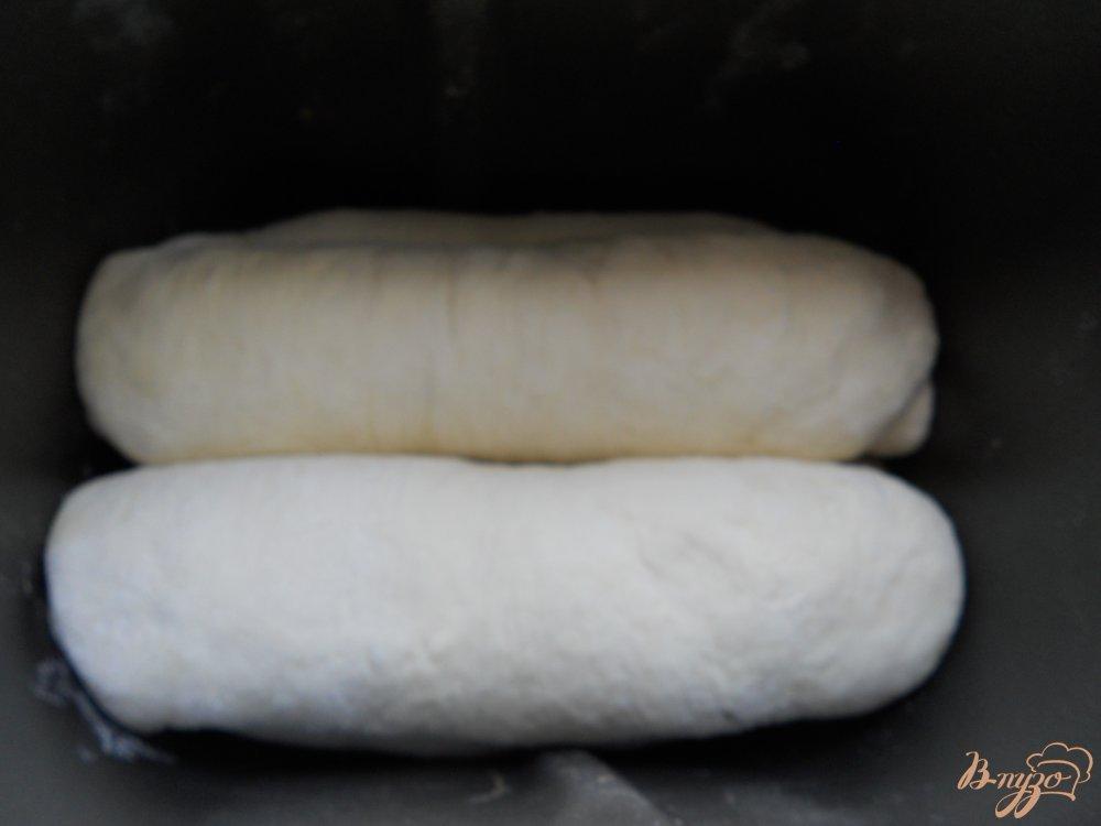 Фото приготовление рецепта: Хлеб с укропом и чесноком в хлебопечке шаг №7