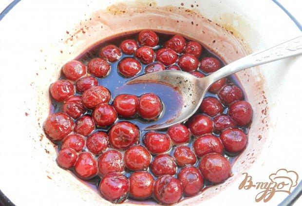 Куриные бедрышки под вишневым соусом