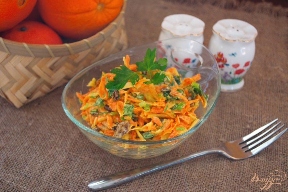 Фото приготовление рецепта: Морковный салат с тертым сыром шаг №5