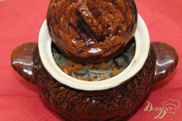 фото рецепта: Гречка запеченная с свиной печенью в горшочке