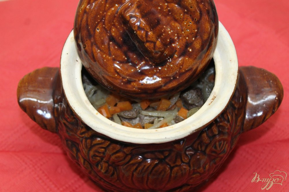 Фото приготовление рецепта: Гречка запеченная с свиной печенью в горшочке шаг №5
