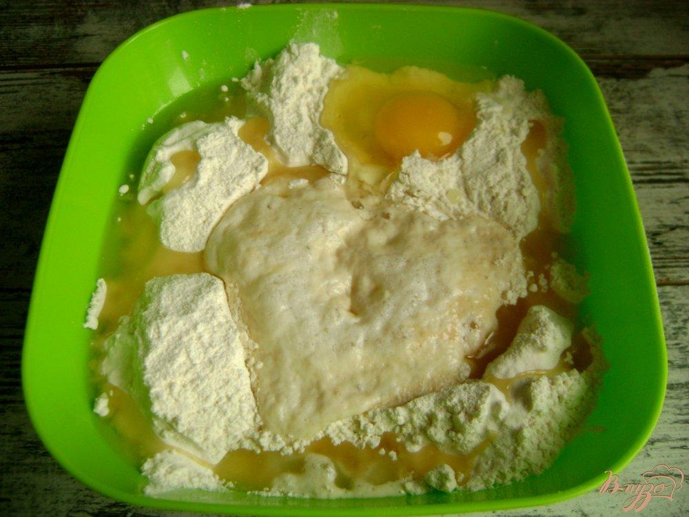 Фото приготовление рецепта: Банкетные мини-пирожки с семгой и рисом шаг №4