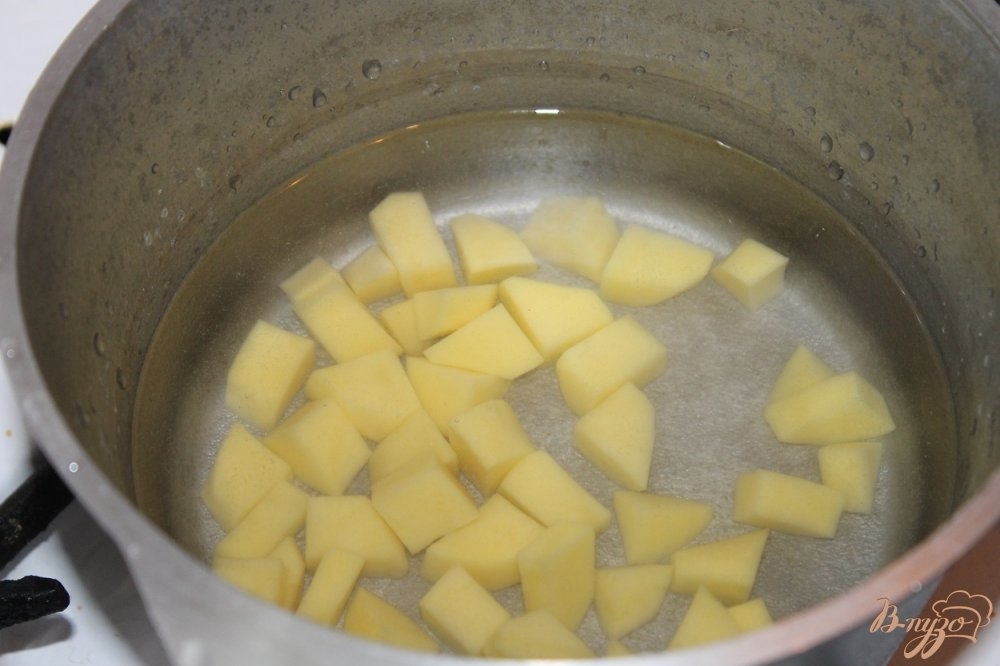 Фото приготовление рецепта: Грибной суп с гречневой крупой шаг №2