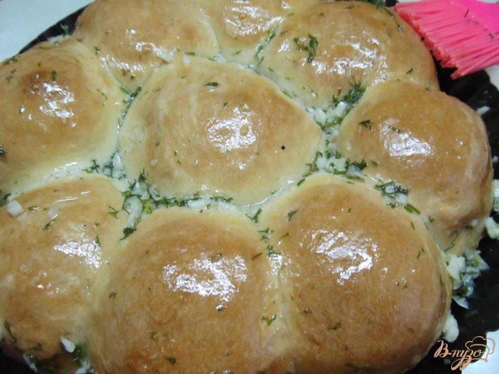 Фото приготовление рецепта: Чесночные булочки шаг №11