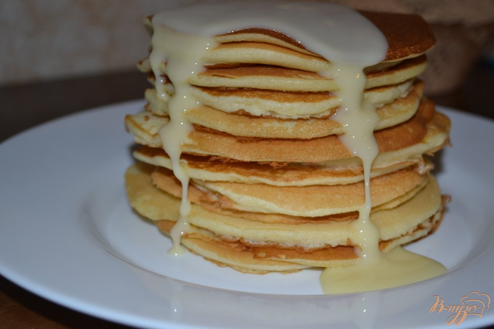 Фото приготовление рецепта: Американские панкейки без соды шаг №10