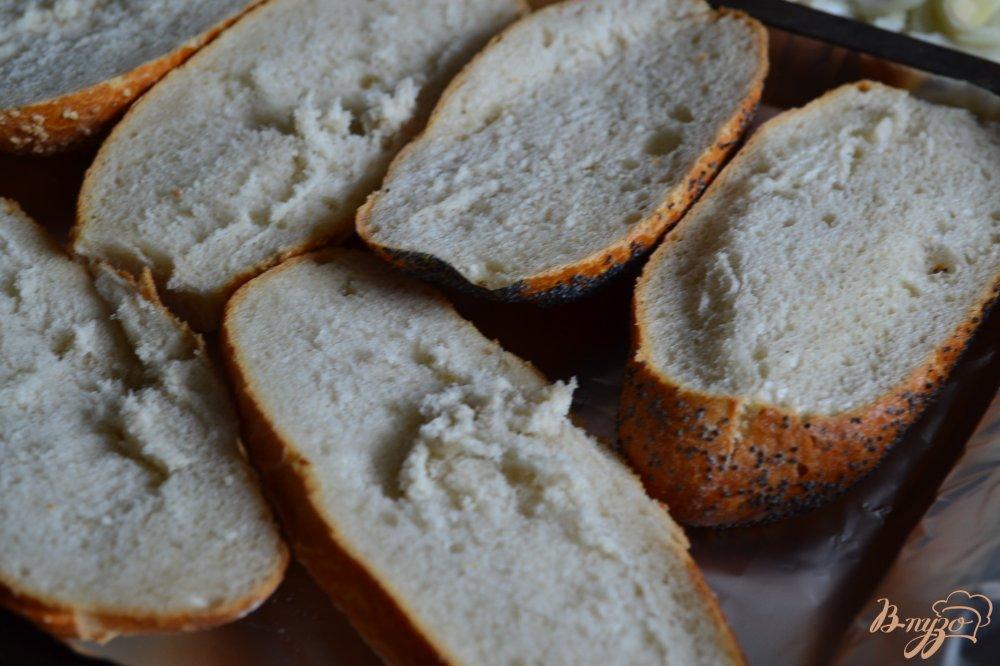 Фото приготовление рецепта: Горячие бутерброды с ветчиной шаг №5