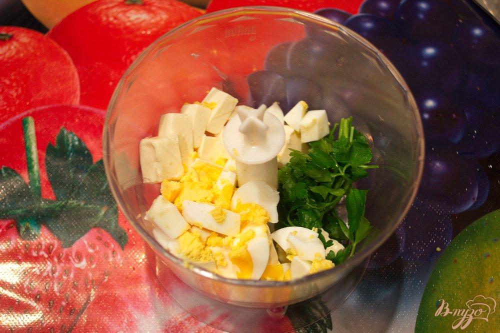 Фото приготовление рецепта: Паста для завтрака из плавленого сырка шаг №3