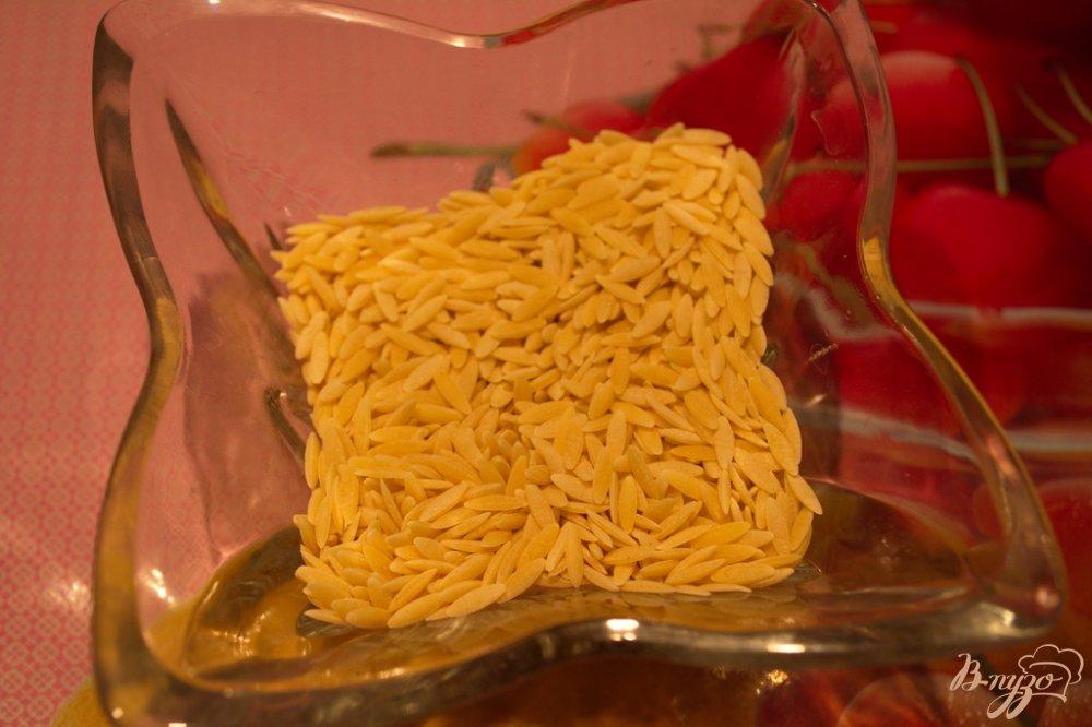 Фото приготовление рецепта: Грибной суп с орзо (ризони) шаг №5