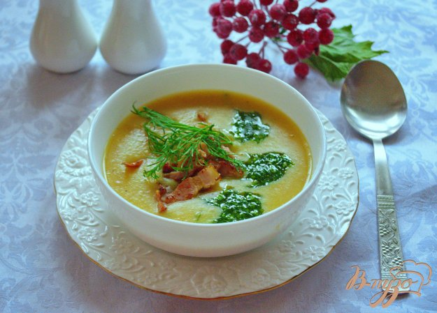 фото рецепта: Гороховый суп-пюре  с беконом