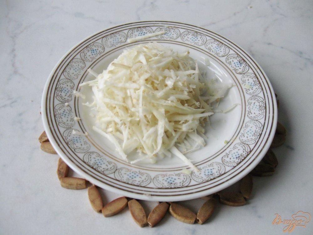 Фото приготовление рецепта: Картофельный суп с квашенной капустой шаг №4