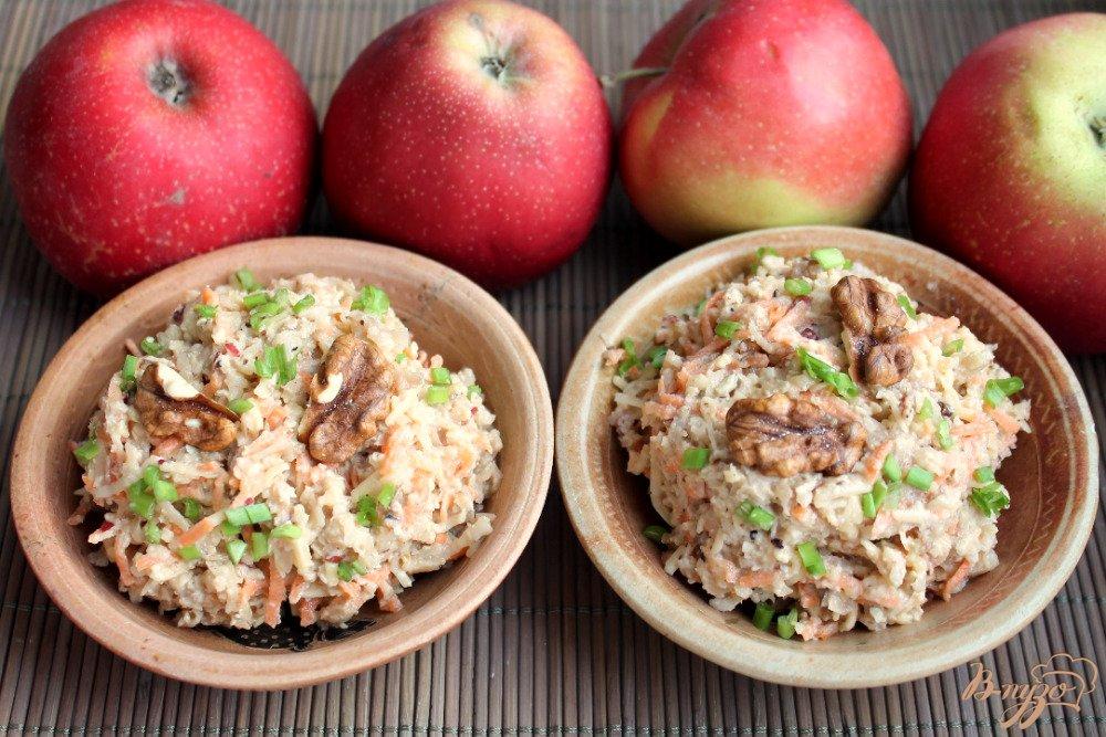 Фото приготовление рецепта: Салат с топинамбуром, сыром и морковкой шаг №7