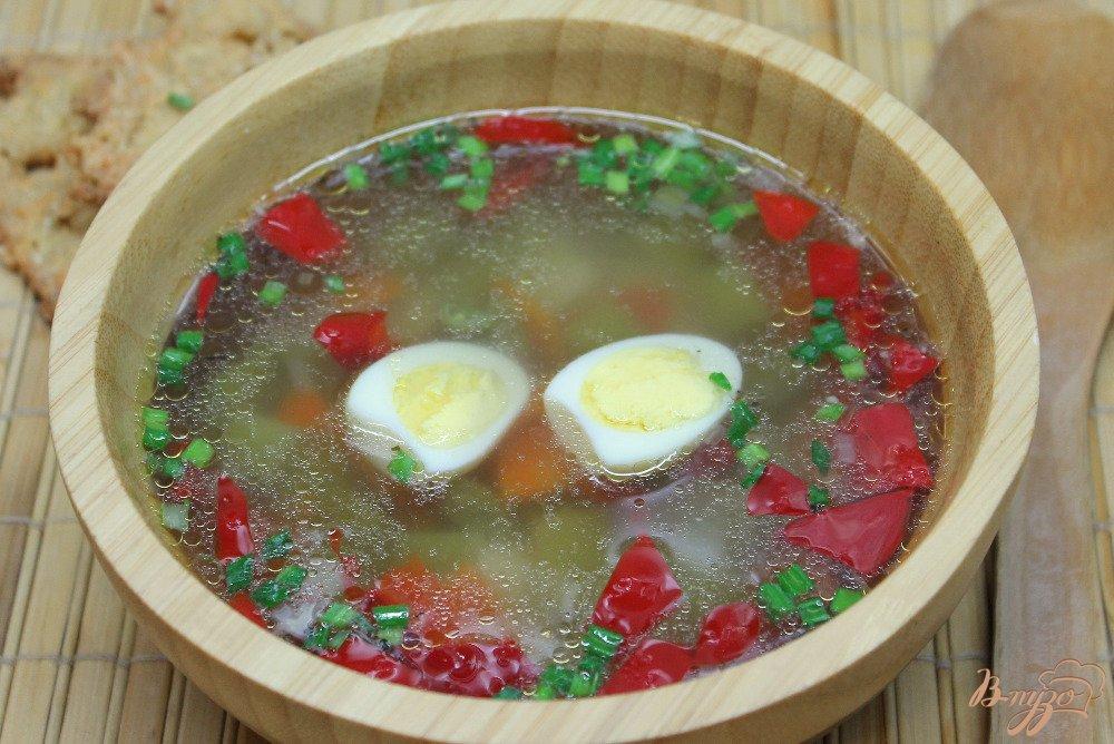 Фото приготовление рецепта: Овощной суп с перепелиными яйцами шаг №6