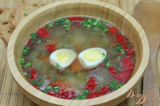 фото рецепта: Овощной суп с перепелиными яйцами
