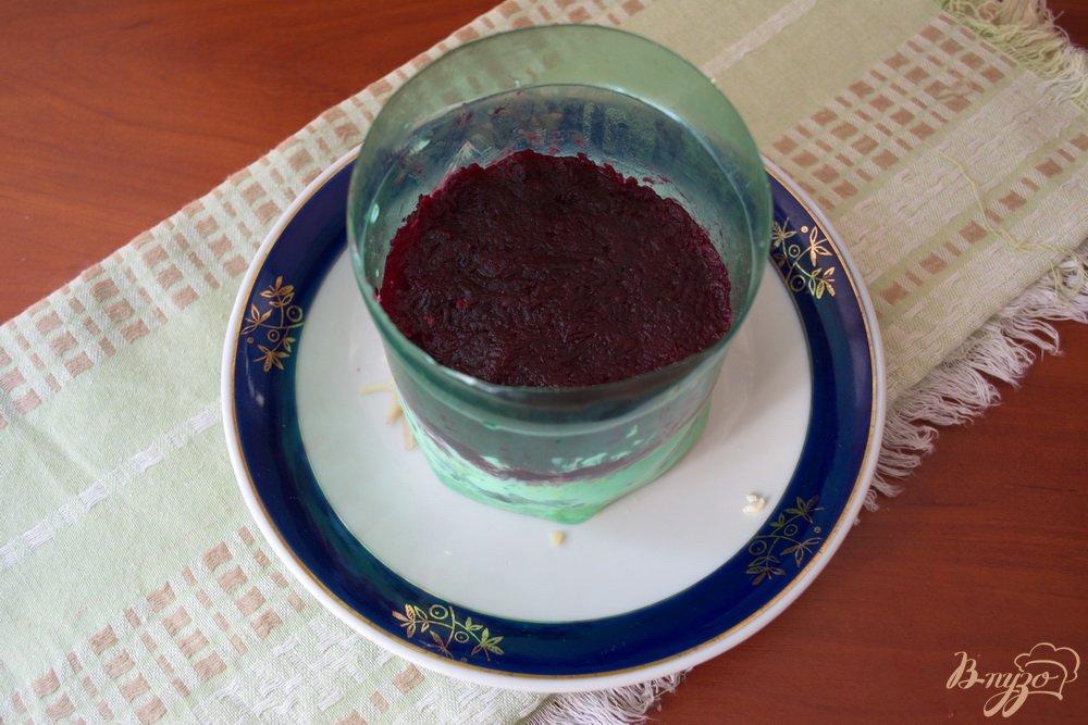 Фото приготовление рецепта: Слоеный салат с языком шаг №4