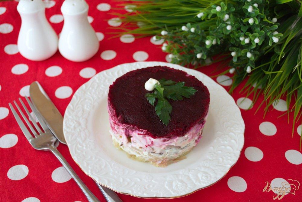Фото приготовление рецепта: Слоеный салат с языком шаг №5