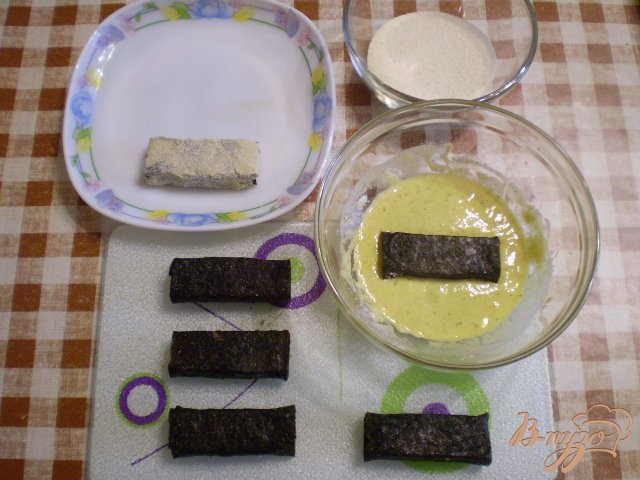Фото приготовление рецепта: Сыр жаренный в нори шаг №4