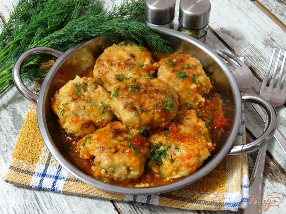 Фото приготовление рецепта: Тефтели по-мексикански в томатно-чесночном соусе шаг №13