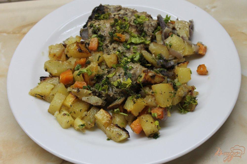 Фото приготовление рецепта: Запеченные свиные ребра с картофелью шаг №5