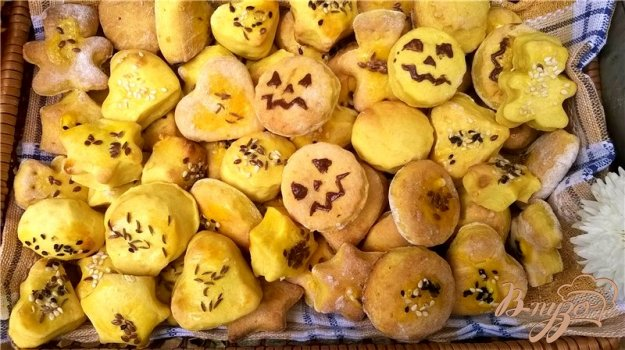 фото рецепта: Тыквенное фигурное печенье