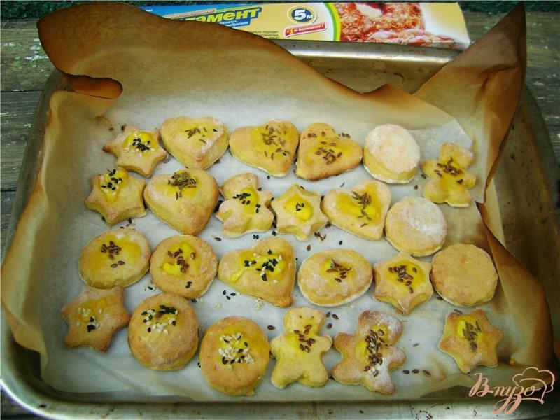 Фото приготовление рецепта: Тыквенное фигурное печенье шаг №7