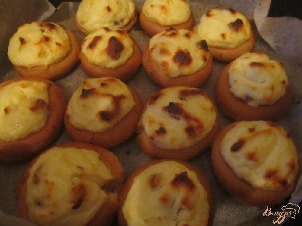 Фото приготовление рецепта: Мини-ватрушки из бубликов шаг №6
