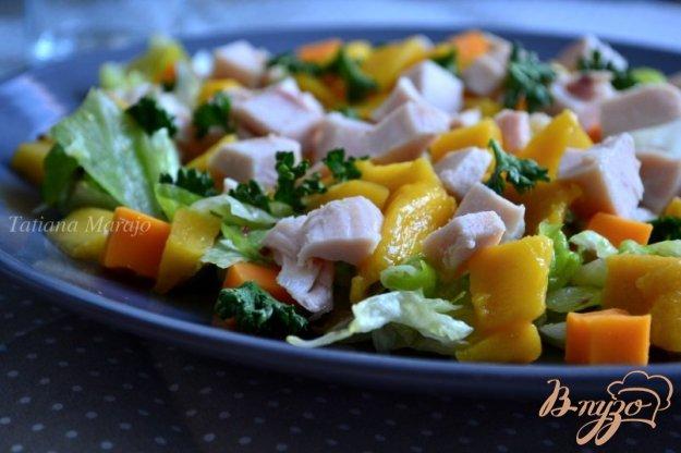Салат с манго и сыром