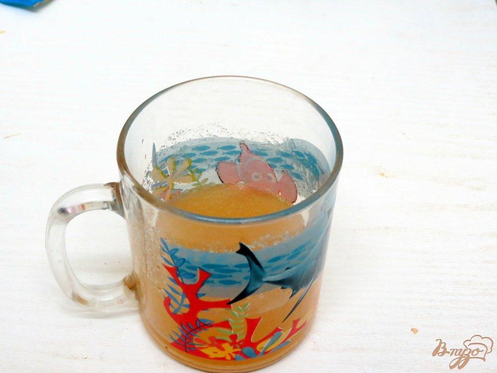 Фото приготовление рецепта: Желе молочно-кофейное шаг №3