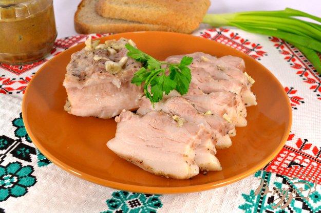 фото рецепта: Грудинка свиная с чесноком и перцем в мультиварке