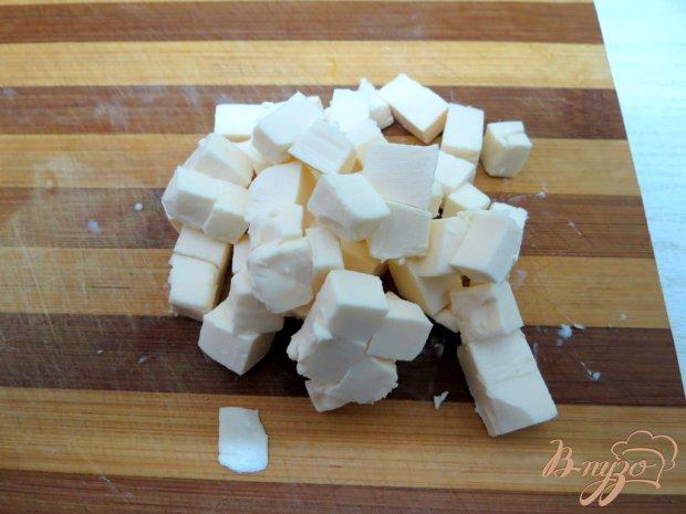 Карп фаршированный грибами и сыром
