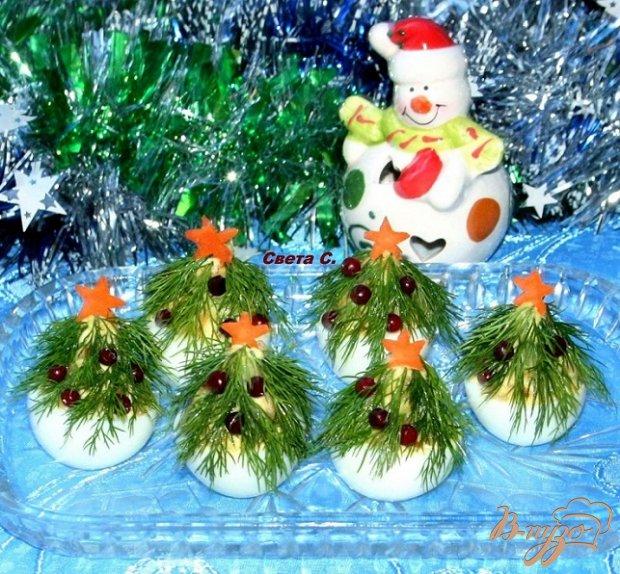 """Фаршированные яйца """"Новогодние елочки"""""""
